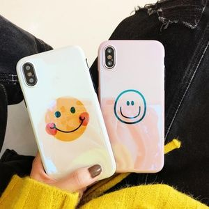 NEW iPhone Max/XR/XS/X/7/8/Plus Smiley Face Case